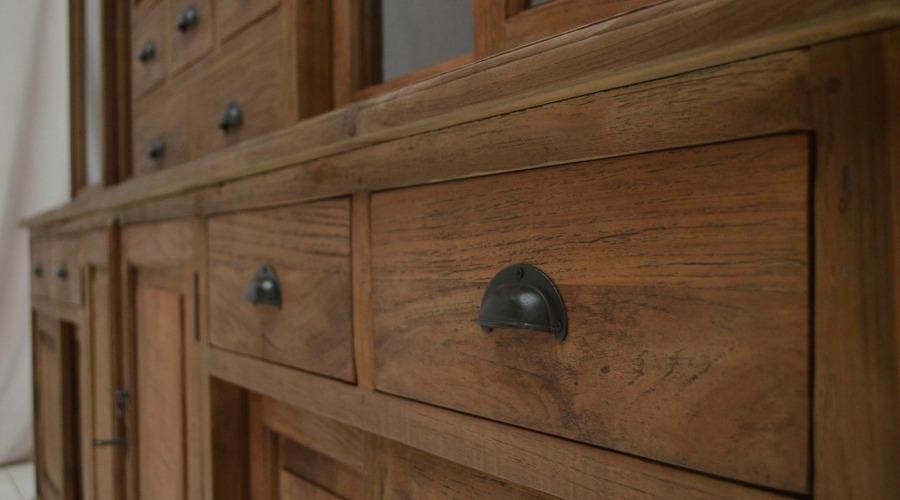 Een kast op maat laten maken dat kan bij teak en wood teak en wood - Planken maken in een kast ...